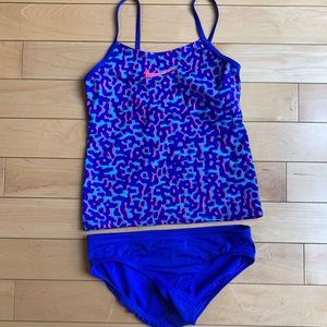 EUC 🐝2/$25 NIKE 2 pcs girl's swimsuit size 14